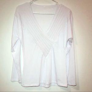 Tops - White Pleated Long Sleeve Shirt Size Medium